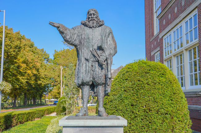 Statue Of Hydraulic Engineer Leeghwater At Hoofddorp The Netherlands Bronze Netherlands Statue Engineer Hoofddorp Human Representation Hydraulic Leeghwater Statue