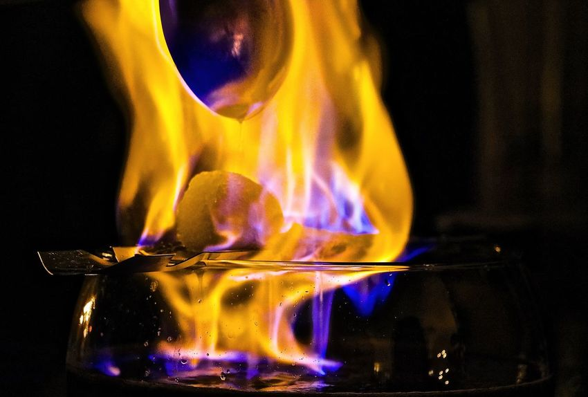 Burning Close-up Feuerzangenbowle Flame Heat - Temperature Indoors  Melting Night Yellow