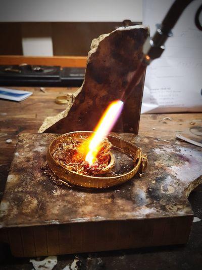 Goldschmied Feuer Schmelzen