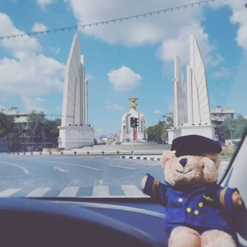 ถ้าหากวันนี้เรายังอยู่ด้วยกัน... ครามไหมละ ย้อมไฮเตอร์หมดขวด ฮิปสเตอร์ยังต้องร้องขอชีวิต Teddy Bangkok Bear Thailand Ratchadamnoen Hipster