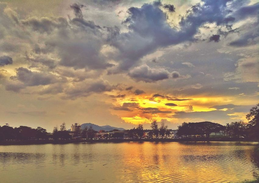 Malaysia Kedah Kulim Sunset Sun Goes Down Evening Sky Panorama Panoramic Photography EyeEm Nature Lover EyeEm Best Shots Beautiful Day After The Rain Afterlight Light And Shadow Lake Lake View Lakeview Water Tree Sunset Mountain Lake Silhouette Summer Reflection Multi Colored Sky Romantic Sky Dramatic Sky Atmospheric Mood Cloudscape Moody Sky
