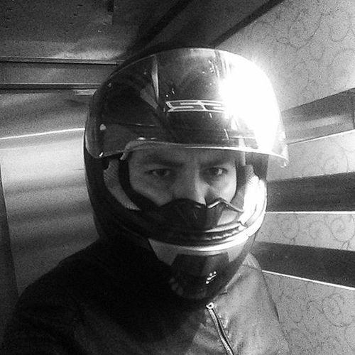 Motorcandır Dörtteker Bedeni çiftteker Ruhu  Taşır Moto Helmet SYM