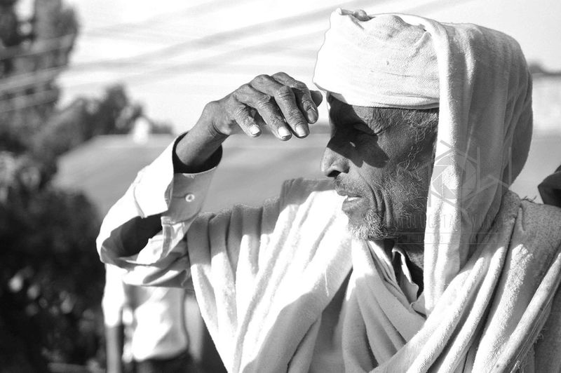 this is how Ethiopian put their hand to talk and to see things, protecting the eye from the sun.. Lalibela Ethiopia Piligrim Ethiopian Art Orthodox Church Portrait Photography Close-up First Eyeem Photo