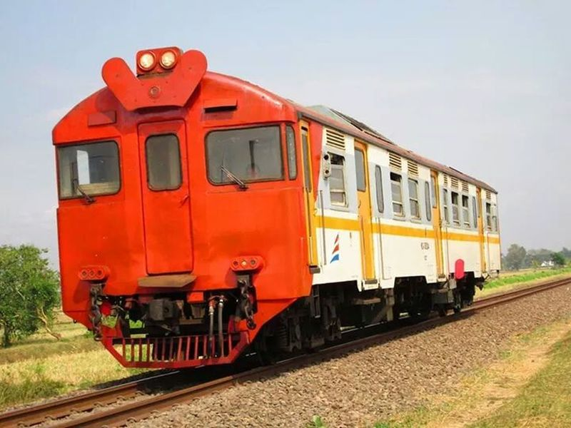 Train Tracks Long Train Running Likeforlike Traveling