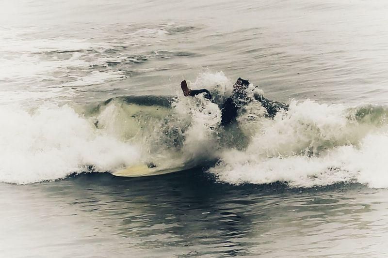 View of waves splashing in sea