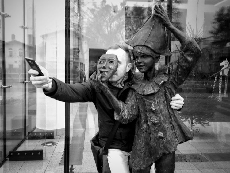 Photo Games Wejherowo 5 December 2015 IPhoneography Iphone 6 Plus Bnw_collection Bnw_life Bnw Streetphotography Streetphoto_bw Funny Statue EyeEm Masterclass EyeEm Best Shots Wejherowo Poland IPSCreative