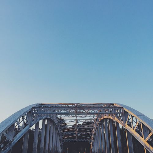 Pont. Copy Space Architecture Clear Sky Built Structure Bridge - Man Made Structure No People Outdoors Connection Day Low Angle View Building Exterior City Sky Minimalist Architecture