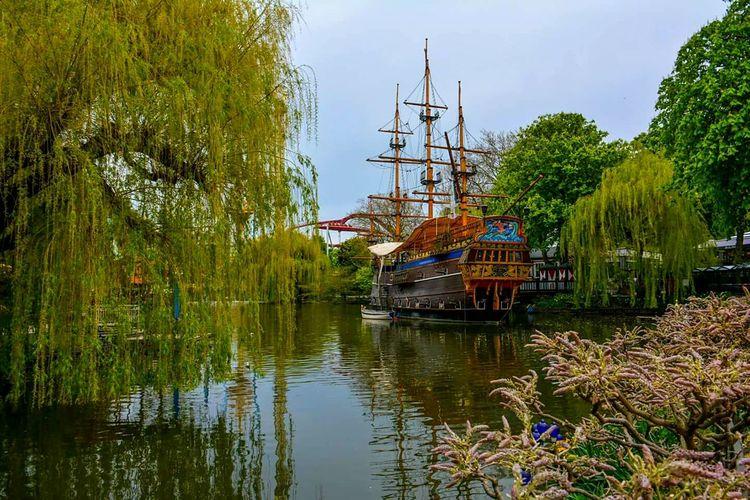 Tivoli Lakeview Galleon Ship Pirate