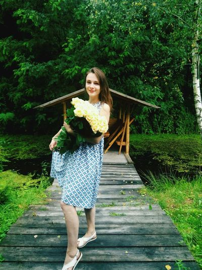 Tree Young Women Water Full Length Smiling Standing Women Happiness Front View Spraying