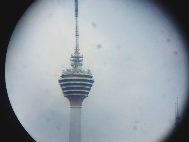 usha kl tower guna teropong..haha:D jd telephoto lens:p Kuala Lumpur Tower