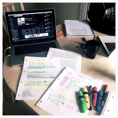 📚📝📖✏️ I Hate Revising Cramming Finals Week