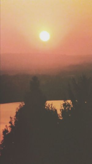 un tramonto. .