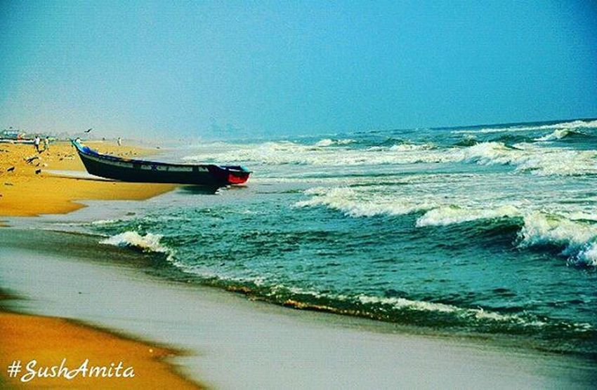 Sushamita MyClick Nikonphotography Nikon NikonD5000 Beach Waves Blue Sky Water Boat Scenary Scenic Nature Beautiful Beautifulindia Elliotsbeach Besantnagar Chennai Indian India Chennaiphotography Outdoorphotography Nammachennai Ig_chennai ig_nammachennai sochennai so_chennai