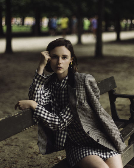 Charlie, Actress. Jardin des Tuileries Paris, France. Fashion France Jardin Des Tuileries Paris Parisienne The Fashion Photographer - 2018 EyeEm Awards Adult Beautiful Woman Beauty Chic Focus On Foreground French Style Front View Leisure Activity Lifestyles Looking At Camera One Person Outdoors Portrait Real People Sitting Style Women Young Adult Young Women The Portraitist - 2018 EyeEm Awards