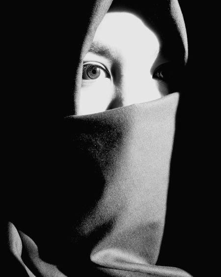 beautiful eyes First Eyeem Photo EyeEm Best Edits EyeEm Best Shots - Black + White EyeEm Gallery EyeEmHijab