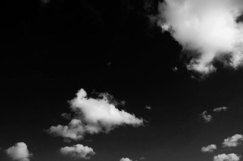 It must beeeeeeeeeee 🌚 Black Background Motion Sky Space Clouds Up In The Air Blackandwhite Monochrome Shades Of Grey Black Vs White Contrast Dramatic Intense Colors Cloudporn MnMl Mnmlsm Minimalism Minimal Minimalistic Minimalmood Minimalist Minimalobsession Minimalart Minimalarchy Mobilephotography
