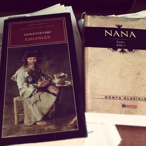 Bu saatler hep klasik :)) Kitap Dostoyevski Ezilenler Emilezola nana arkadaş İyibirgün klasikler oku