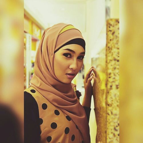 Muslimahfashion Muslimstyle Hijabbeauty Hijabfashion Hijabstyle  Muslim Model Amodelssurabaya Www.amanagementsby.web.id | model: ghea | mua & hijab: adie a iskandar | casual ghea