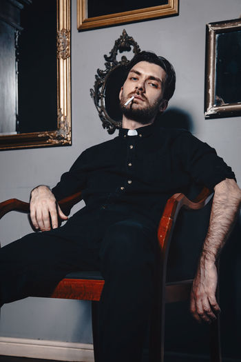 Stani EyeEm Best Shots Beard Black Cigarette  Male Mirrors Model Shirt The Way Forward