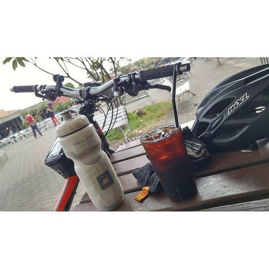 Sunday Sundaybikeride Bicycle Fatbikes fatbike coffeetime coffe iceblackcoffee polarbottle merida oxford mxl val 2015 lg g4 lgg4 lg_g4 🚲