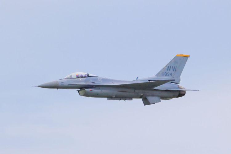 F-16 F-16
