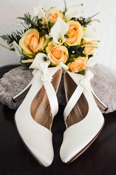 Shoes ♥ Wedding Close-up Wedding Wedding Photography Flower In Bloom Popular Photos