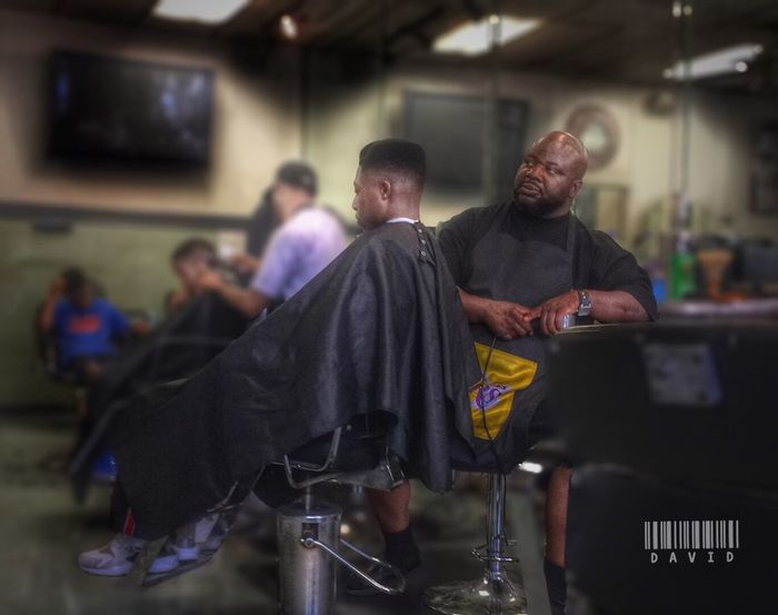 Chillin..... Haircut Getting Fresh Barbershop Hdr_Collection HDR People Photography Peoplephotography