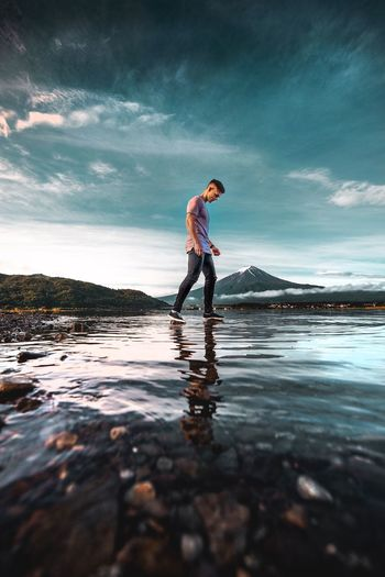 Water Sky Side View Cloud - Sky One Person Sea Full Length Nature Beauty In Nature Outdoors
