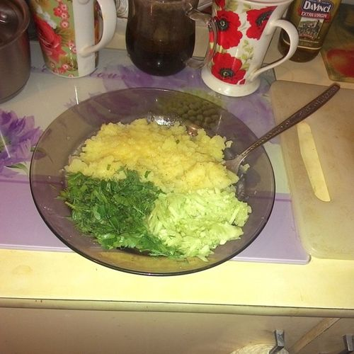 #food #instafood #2014 #мирдолжензнатьчтояем Food Instafood 2014 трава салат мирдолжензнатьчтояем зелень  картошка огурец картофель травка