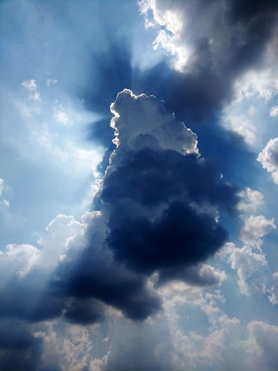 Rays Of Light Cloud Shadow Sun Beams Silver Lining Blue Sky Cloud - Sky Meteorology Cumulus Cloud Heaven Fluffy Cloudscape Cumulus