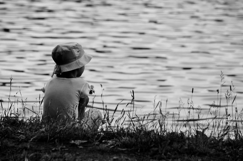 Round Pond Children Childhood Relaxing