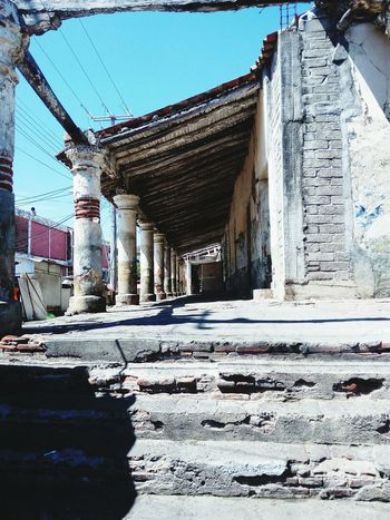 Tehuantepec Tehuantepec Oaxaca Old Buildings Womam Photographer Architecture No People Outdoors Architectural Column