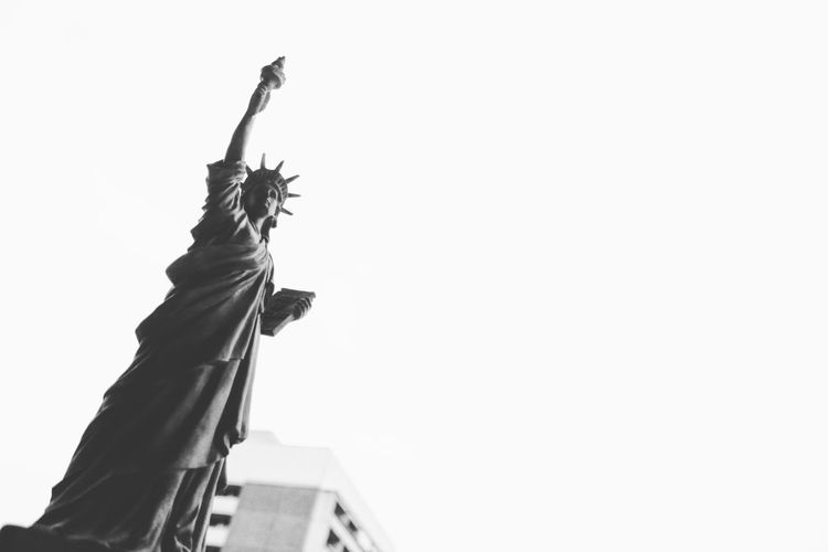 Human Representation Statue Sky Outdoors Day Sculpture Architecture Stateofliberty NY Newyork City Blackandwhite Canon Cityscape Town Munich Illuminated Low Angle View Freedom EyeEmNewHere