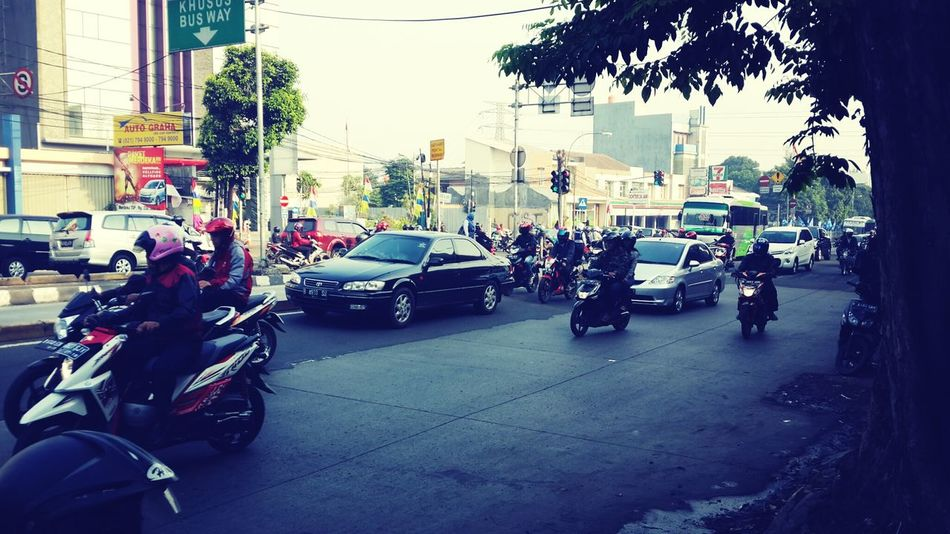 jakarta traffic in the morning...