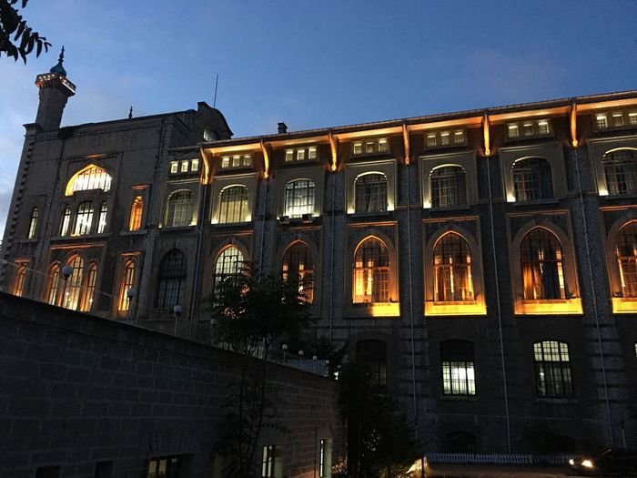 Haydarpasa Kadikoy Uskudar Marmarauniversty Lights Photooftheday Architecture Built Structure Building Exterior Nofilter Nofilterneeded Iphonegraphy