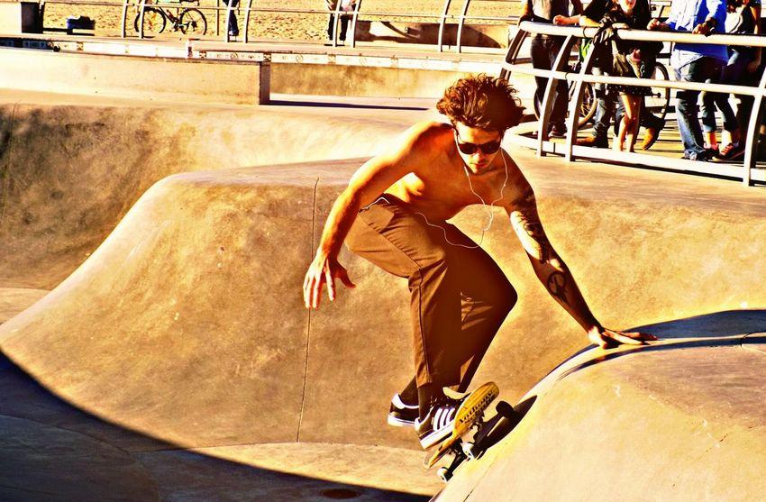 Hanging Out Taking Photos Check This Out Enjoying Life Venice Beach Santa Monica Skatepark Skatelife Skateboarding On The Road Eye4photography  People Photography People Watching Skate Park Skateordie Skateeverydamnday Skater Boy Skate Boarding