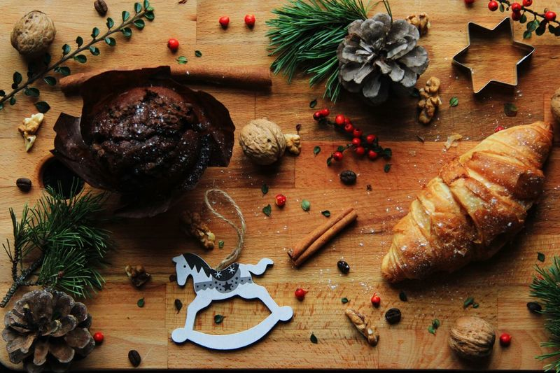 Christmas 😍 can't wait ! Sweet Food Pastry Muffin Croissant Cinnamon Cutting Board Food And Drink Cooking Homemade High Angle View Good Morning Winter Wintertime Concept Christmas Decoration Christmas Tree Celebration christmas tree Christmas Ornament High Angle View Table Close-up Pine Cone Holiday Moments