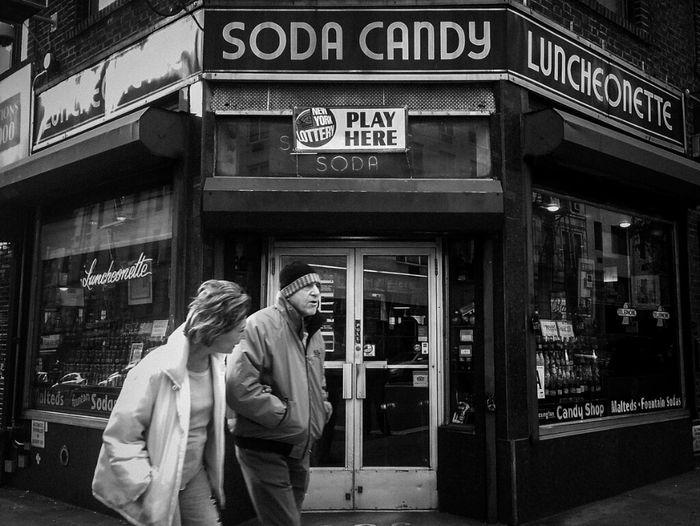 d i s a p p e a r i n g new york Blackandwhite Streetphoto_bw Streetphotography