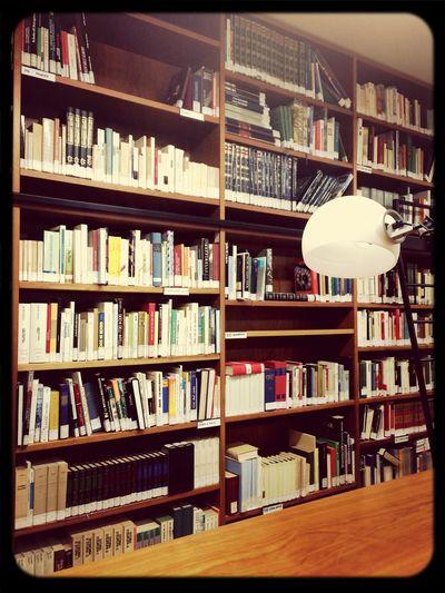 Taking Photos At Work Books Biblioteca ??