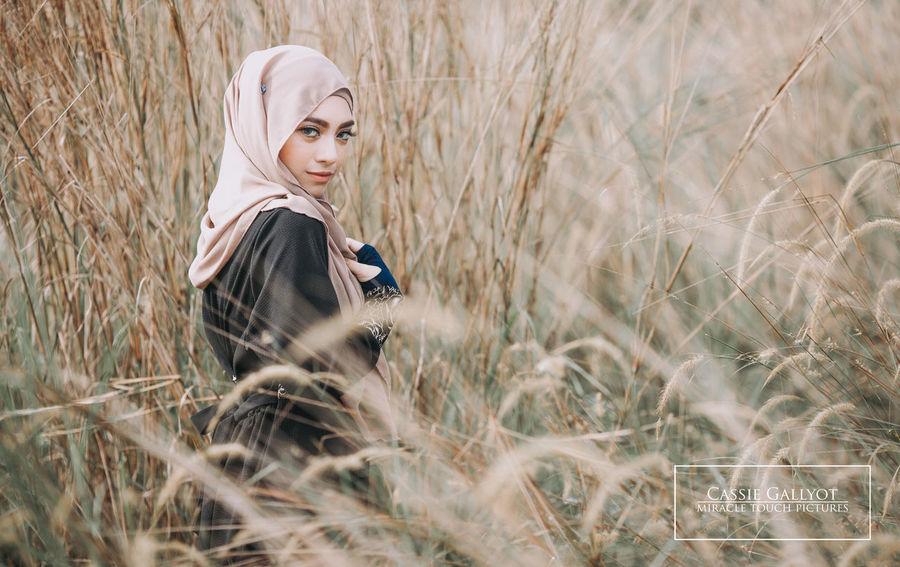 Photoshoot Photooftheday Photography Product Photography Modeling ShootOnly Women Malaysianphotographer Malaysiamodelling Malaysiamodelsearch Portrait Photography Hijabstyle  Hijabmodel Hijabbeauty Hijabista Hijabcouture Hijabfashion Hijabstyle Outdoors