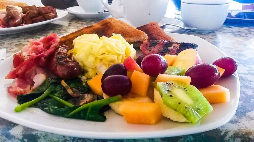 Food And Drink Food Freshness Healthy Eating Close-up Ready-to-eat Tea Plate Sausage Eggs... Breakfast Plate Toasted Bread Mushrooms Spinach Melon Grapes Fruit Salad Kiwi Pineapple Freshness Food And Drink Variation Kiwi - Fruit Toast🍞 Scrambledeggs