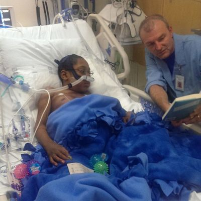 Jason enjoying a new Book that was given to him. Do great to hear his voice! Seattlechildrenshospital Seattlechildrens pneumonia heartdefect hearttransplant donatelife donatelifetoday