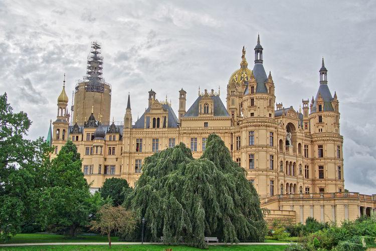 The Beautiful Schwerin Castle GERMANY🇩🇪DEUTSCHERLAND@ German Castle Schwerin Schwerin Castle Schwerin Mecklenburg-Vorpommern Schweriner Schloss Germany Schweriner See Schwerinersee