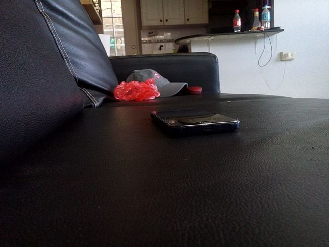 Alone Best EyeEm Shot Chats Couch EyeEm Gallery Home Interior Indoors  No People Welcome To Black