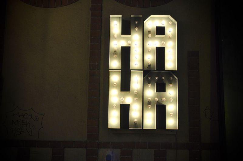 Berlin Cafe Design Haha Hipster Light
