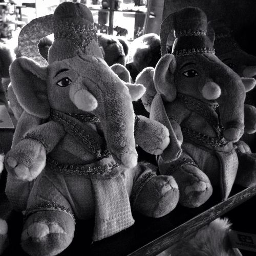 Gajah Duduk