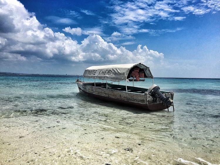 Zanzibar Island bateau de pêcheur Zanzibar_Tanzania Pêcheur 👣🐟 Bateaux Eauclaire First Eyeem Photo