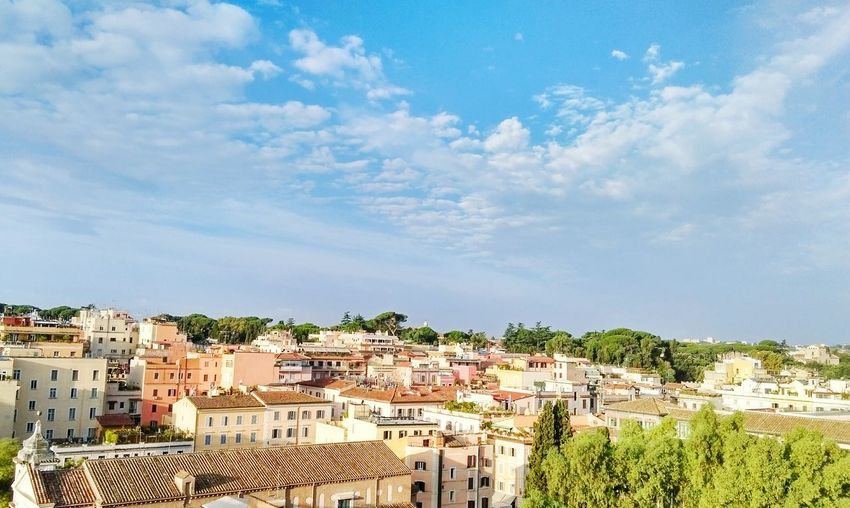 Hanging Out Hello World Rome Cityscapes Rooftop From The Rooftop Oldtown Ancient Architecture Colorful Colourful