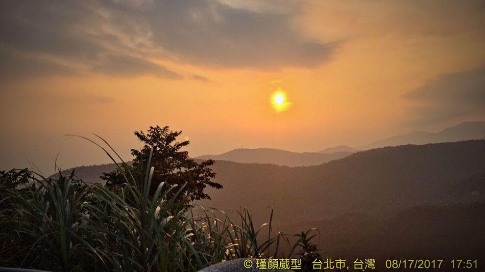 好美的地方☀️ Sky 2017 手機の拍攝遠不及眼簾看到之風景⋯⋯ 夕陽