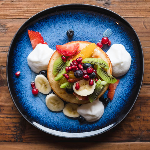 Fruit Healthy Eating Food Food And Drink Wellbeing Berry Fruit Freshness Directly Above Still Life Table Kiwi Indoors  No People Plate Strawberry SLICE Close-up Kiwi - Fruit Bowl Ready-to-eat Breakfast Fruit Salad Temptation Ripe Pancakes